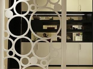 远洋香奈-田园两居-远洋香奈115平现代田园温馨雅居 精巧的镂空隔断设计