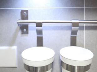 女主在宜家买的东东,~~~左边放筷子,右边放勺子,尽可能利用空间。,135平,15万,欧式,三居,厨房,