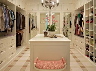 女孩,是时候给自己一个像样的衣帽间!