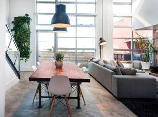 Vintage Modern Loft – Vancouve