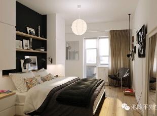 木质地板和舒适的座椅为这个与众不同的房间增添诱人的暖意。