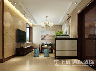 中式风格客厅装修效果图---简单的吊顶,外翻灯池,坡面石膏线等元素图片