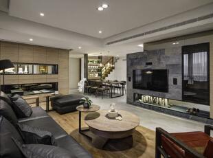 客厅内藉以视野的开阔与穿透,在开放场域内可达到多串联视角。,198平,30万,现代,别墅,
