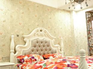 简单浅黄的花艺壁纸,温馨的感觉,是否会让你安睡到天明。,190平,80万,美式,四居,卧室,白色,