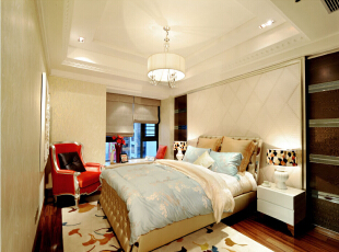 北京紫禁尚品国际装饰—儿童房 以暖色调为主 用淡蓝色来被单 体现出空间里的清新 暖色花纹的壁纸 卡通的树叶地毯 配合着木色的木地板 在加上用红色的单人沙发做为点缀 柔和 舒适,176平,38万,欧式,三居,儿童房,蓝色,黄色,红色,黑白,
