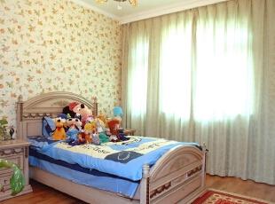 北京紫禁尚品国际装饰—儿童房 墙面用碎花壁纸 主要用于还在 所以比较卡通 木色的木地板 搭配比较简单,277平,55万,田园,四居,儿童房,黄色,原木色,蓝色,