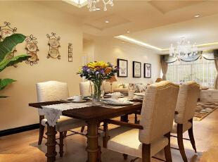 餐厅运用了橡木方形桌子,让一家人能够舒心的在一起吃饭,尽享美丽时光,用水晶造型灯以及富有艺术感的座椅讲述着一个关于家的故事。简单实木布艺餐桌,铺上白色桌布,朴实中又不失淡雅自由的小资安适。,115平,9万,欧式,三居,餐厅,白色,