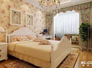 通体的壁纸装饰,呈现出一种和谐统一的风格,让卧室多了几分温馨,给人一种自然亲近的感觉。柔和的粉红色、新鲜的黄绿色,素雅的装饰让人感到整个房间都清爽宜人,甚至连空气都变得纯净清新了。,88平,7万,清新,两居,