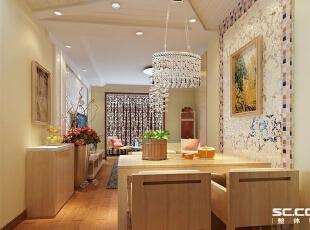 餐厅的背景墙与客厅遥相呼应,并用马赛克砖加以点缀,吊顶利用石膏板搂槽,与客厅空间进行区分。餐客厅的合二为一,保持风格的完整与统一。,88平,7万,清新,两居,