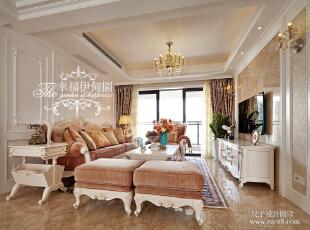 光洁的仿大理石瓷砖与绒缎质感的沙发饱和了视觉的冲击,精致典雅,贵气大方。,220平,100万,欧式,复式,