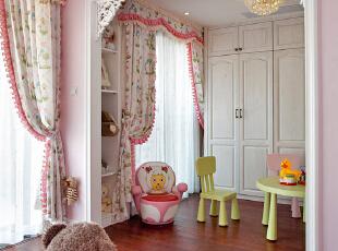 嫩粉公主房藏着梦幻的憧憬,童真,甜甜的,在空间里满溢。,220平,100万,欧式,复式,