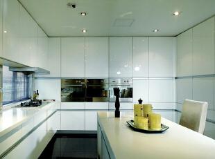 ,300平,68万,现代,别墅,厨房,黑白,黄色,