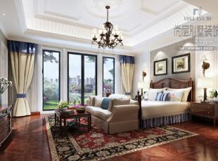 主卧的色调以米黄色为主,几抹或深或浅的蓝色点缀,更显柔和与温馨,红色的印花地毯时唯一比较出挑的颜色,给素雅的色调增加跳动感。,美式,别墅,