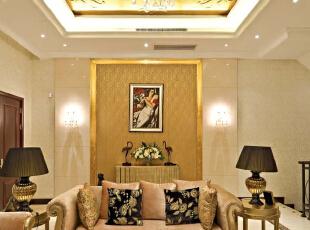 北京别墅装修设计——客厅 主要以暖色调为主 暖色的灯光 加上暖色的简欧布艺沙发 用黑色的台灯来做反差 不是太过于单一,378平,60万,现代,别墅,黄色,黑白,