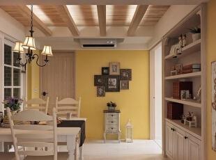 欧式的桌椅搭配欧式的吊灯,烘托出别样的异国情调,这样的用餐一定很享受。,120平,14万,地中海,三居,餐厅,原木色,黄色,