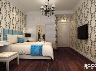 主卧室的设计我们则更多的注重了舒适性以及实用性,白色的顶面加上石膏顶角线和水晶欧式灯搭配,墙面采用花纹壁纸,突出整个空间温馨感,地面使用木地板,使人脚感更加的舒适。,100平,6万,欧式,两居,黄白,