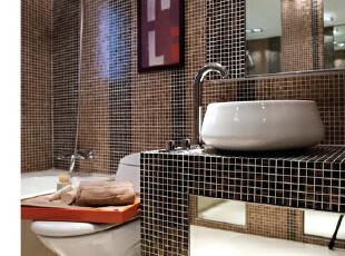 紫禁尚品国际装饰——卫生间 白色的地面 马赛克做为墙面的瓷砖 时尚,140平,33万,简约,跃层,卫生间,黑白,红色,黄色,