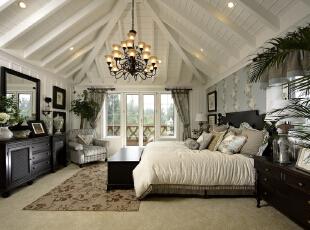 实用美好的窗帘搭,柔和的色彩、浪漫的背景墙设计,简约大气的搭配,铁艺收纳架也是地中海风格中的一部分。卧室电视背景墙整个一体规划,很有整体空间感,330平,25万,田园,四居,卧室,白蓝,