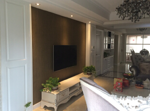 客厅局部护墙板+墙纸,酒柜实木门沙发,130平,45万,欧式,三居,客厅,白色,黄色,