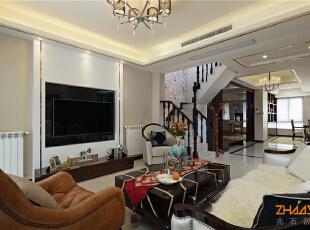描述:客厅作为主要呈现空间,风格奢华而不奢靡,贵气而不张扬,简化的古典线条,带着一种悠闲舒适感。空间富有的钻石绒硬包以及镜面对空间产生延伸效果,也让空间的质感细腻的呈现出了别样的奢华度。,183平,20万,新古典,别墅,客厅,白色,