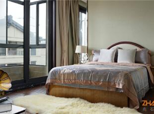 描述:新古典主义的空间具有了古典与现代的双重审美效果,其完美的结合也让人们在享受物质文明的同时,得到精神上的慰藉,让业主在享受奢华氛围的同时,独享那一份自在与优雅。,183平,20万,新古典,别墅,卧室,白色,