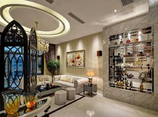 描述:挑高空间酒柜设计与整个空间融为一体,尽显奢华与时尚。,180平,18万,现代,三居,客厅,
