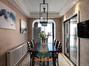 描述:不拘泥于中式的形式,露台采用拱门大胆将中与西的设计手法结合。,110平,7万,中式,三居,餐厅,白色,