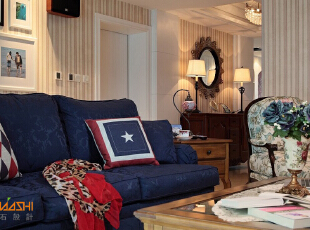 描述:我工作,我生活,家就是有个角落,让我觉得很惬意。。。,110平,8万,地中海,三居,客厅,黄白,
