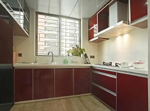 厨房:开放式的厨房让整个空间更加融洽,体现业主对生活的热爱,165平,15万,欧式,三居,厨房,红木色,白色,