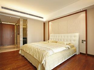 卧室:敦厚精美的床,都能带出古典欧式风格特有的质感。,165平,15万,欧式,三居,卧室,黄白,