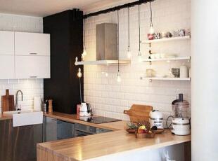 """设计理念:电视墙是整个客厅中最引人注目的地方,在对它的处理中我选择了用瓷砖和壁纸搭配简单而明了。因为瓷砖的合理使用让空间的硬气感大大提升。简约是一种生活方式 """"简洁与天才是一对孪生姊妹。""""选择简约就是选择了一种对待生活的态度。,93平,8万,现代,两居,"""
