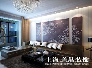 瀚宇天悦3室2厅现代简约风格装修效果图---沙发墙,沙发背景采用的是简洁的竖条壁纸处理,挂上几幅简约的黑白色调的画,灵动,又大方,顶上的射灯打在画上,沙发上,让灯光更加有层次感,再加上灯带,整个空间更加有氛围。,131平,9万,三居,现代,客厅,黑白,