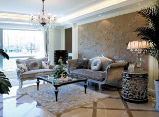 客厅:线条简洁的欧式沙发展现现代风格,高贵、典雅又不失浪漫气质,230平,17万,欧式,四居,客厅,春色,