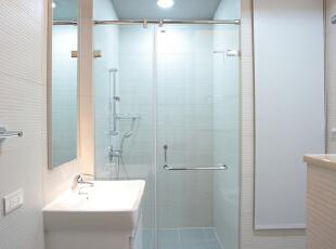 北京别墅装修设计——卫生间实用大方、安全方便、易于清洁、美观简洁为主,整体应该给人一种明亮简洁的感觉,避免过度的繁琐设计,给人一种累赘感。,201平,38万,简约,四居,卫生间,白色,黄色,