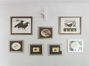为了使简约的卧室并不单调,在墙上挂上我们各自精挑细选的装饰画,让卧室有着浓浓文艺气息。,95平,7万,混搭,两居,卧室,白色,