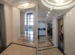 通往卧室卫生间的走到,130平,55万,新古典,三居,餐厅,客厅,白色,黑白,黄色,