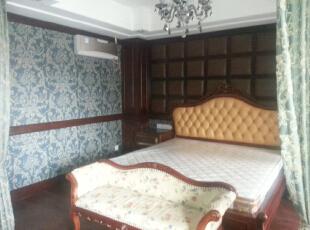 主卧室一角,160平,60万,欧式,三居,卧室,白色,红色,黄色,