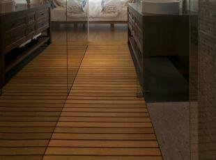 卫浴动线小巧的卫浴并不因空间的限制就局限使用的舒适度,LED大花洒、马赛克主题墙与耐潮湿的桧木地板,让屋主从视觉与嗅觉感知全然的舒适放松。,39平,4万,田园,一居,卫生间,原木色,