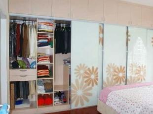 ,88平,10万,清新,两居,卧室,浅木色,粉红色,白色,