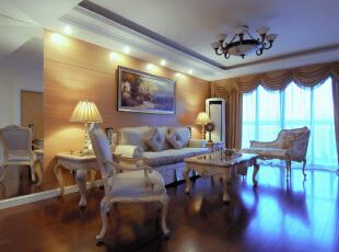 客厅处没有过分的装饰,恰到好处的石膏线条,和简单大方的木饰面板。更显低调奢华又让整个空间看上去舒适大方。,120平,10万,欧式,两居,新古典,白色,原木色,红色,黑白,黄色,客厅,