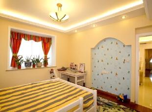,140平,15万,欧式,三居,卧室,黄白,蓝色,