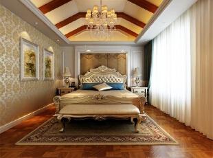 三楼主卧室:以为主卧面积较小,顶面较高,所以造型部分集中在顶面,把原顶面降低,并用木梁装饰,营造温馨大气的效果。,欧式,四居,欧式风格卧室,豪华大气,黄色,白色,原木色,