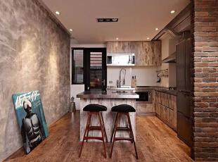 具有浓郁工业风的灰色墙面与另一边的橘红色墙面的衬托下更显出一种浓烈的工业风,顶部照射下来的暖色灯光为这间厨房增添了温馨感觉,60平,5万,混搭,小户型,