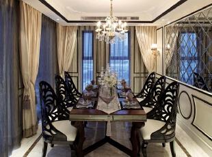 餐厅:整个空间纯白简单,可以让业主享受生活的快乐,381平,20万,新古典,三居,餐厅,黑白,
