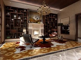 客厅的背后便是休息区,在客厅沙滩椅式沙发、美式的吊灯和壁炉搭配中国传统的博古架,闲适中不乏庄重,品茶饮咖啡均可。,400平,80万,混搭,别墅,休息室,褐色,棕色,