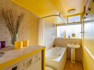 运用饱和系的颜色来呈现,让整间公寓都显出一种活泼轻松的感觉,五彩缤纷的颜色在小小的空间中进行碰撞,使这间小户型公寓拥有了独特的魅力,43平,3万,现代,小户型,卫生间,黄白,