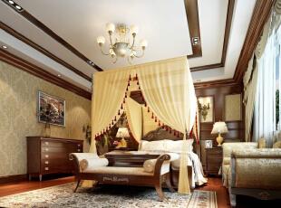 卧室的整体感觉端庄优雅,仿佛将人带入十八世纪保守意大利贵族的舞会中,欧式风格也是最能体现身份地位的一种风格。,483平,25万,欧式,四居,卧室,原木色,黄白,