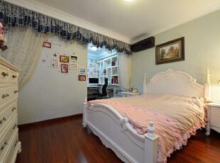 ,120平,30万,欧式,两居,卧室,浅蓝色,白色,