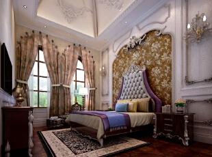 """老人房以人性化规划为前提,采用""""整体设计、整体营造""""的空间规划理念,前瞻性地为各种生活场景提出了预设性的完整思考,使整个空间兼顾古典宫廷的尊贵感与繁华城市的生活氛围。,500平,300万,欧式,别墅,卧室,棕色,白色,"""