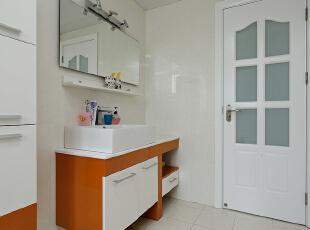 ,120平,18万,现代,三居,卫生间,橙色,白色,